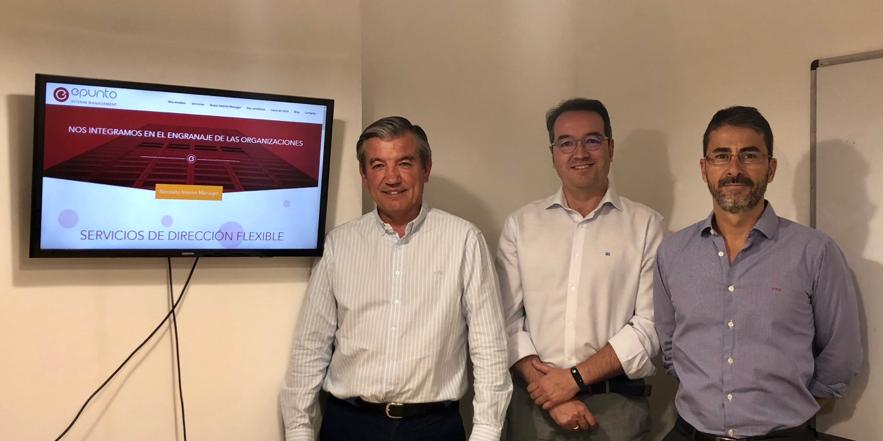 De izquierda a derecha, los socios directores Patricio Gil Olmedo (comercial y desarrollo de negocio), Emilio del Prado (tecnología, administración y calidad) y Juan Manuel Gil de Escobar (dirección general y finanzas)